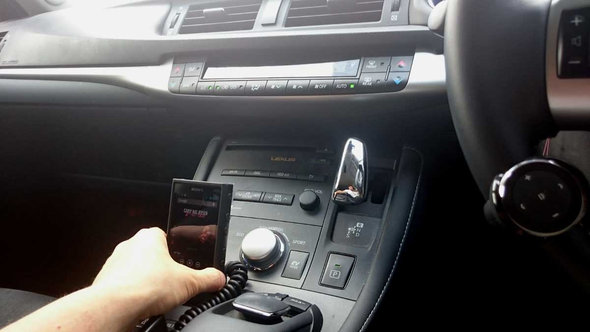 Bluetoothを使わないAUX接続時の操作例