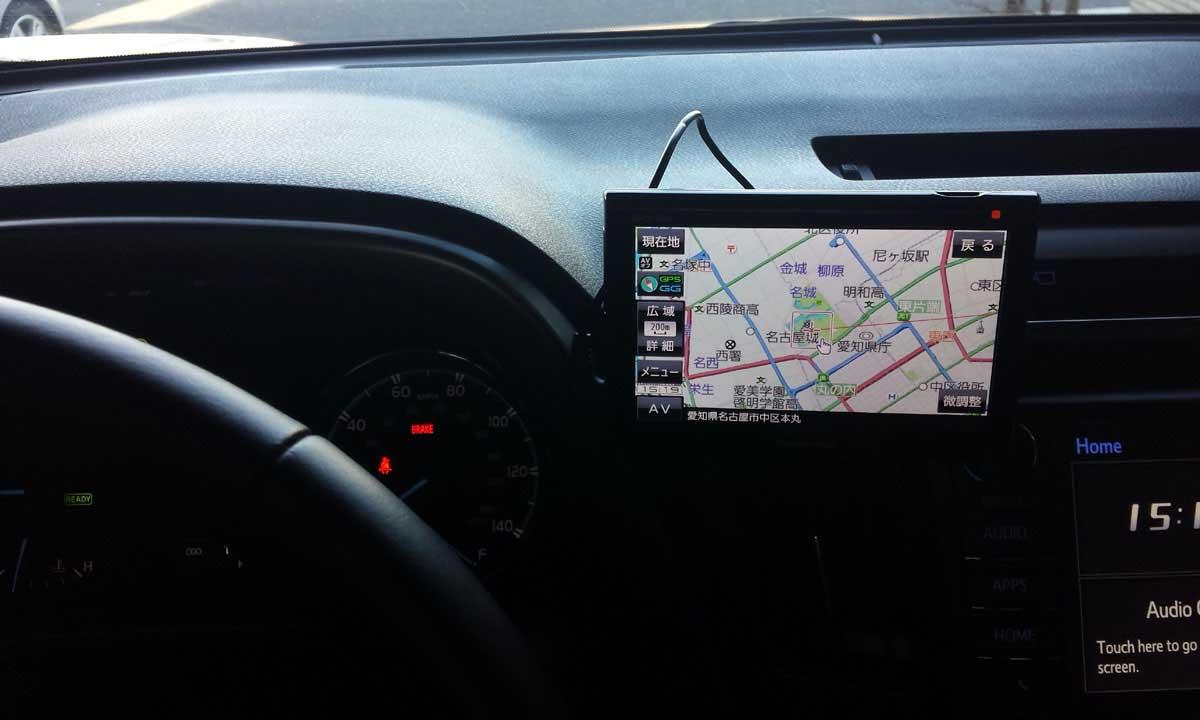 ポータブルナビの車内取付イメージ